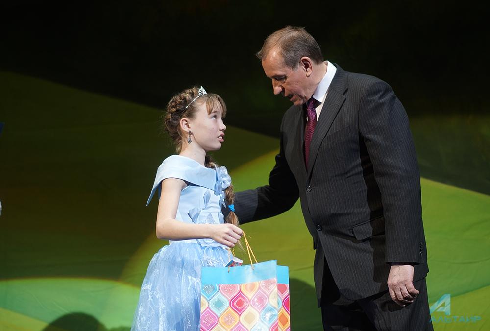 Подарки кНовому году получат дети всех льготных групп вИркутской области