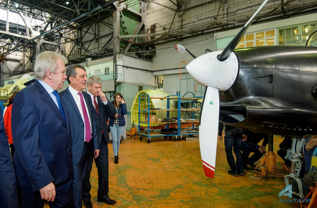 Полпред Президента России находится срабочим визитом вИркутске