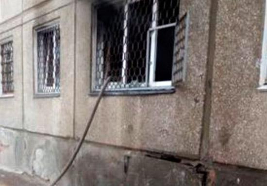 Ангарчанин спас пожилую соседку-инвалида изгорящей квартиры