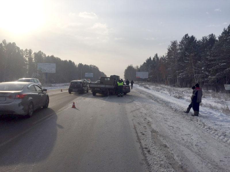 НаКачугском тракте при столкновении с грузовым автомобилем умер шофёр Кия Rio