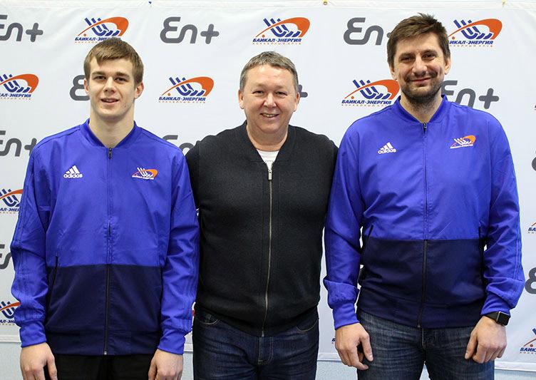 Владислав Кузнецов иПетр Захаров выйдут налед за«Байкал-Энергию»