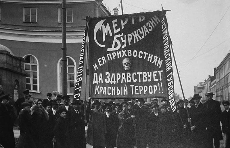 Зюганов пообещал недопустить захоронения тела Ленина