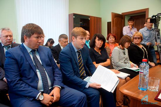 Земля для возведения тепличного комплекса подобрана набазе ОАО«Искра» вИркутске