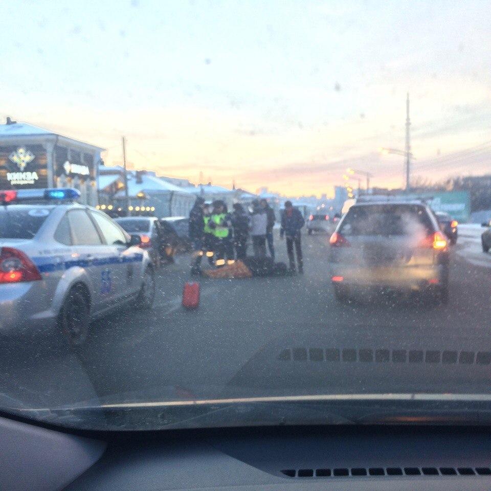 ВИркутске у130-го квартала иностранная машина сбила 2-х человек