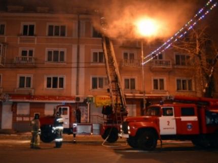 ВИркутске пожарные спасли измногоэтажки 18 человек