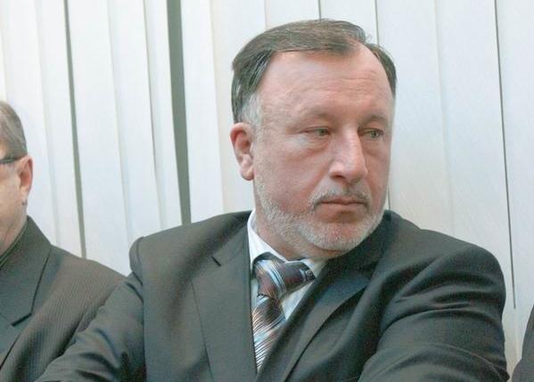 Экс-мэра Усолья-Сибирского Евгения Кустоса освободили преждевременно