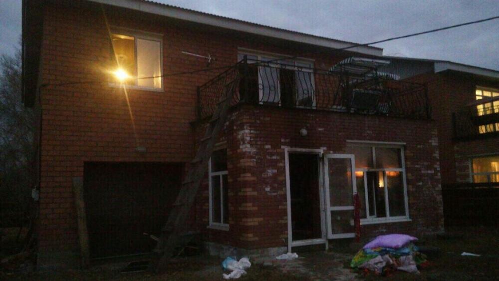 20 человек спасли, еще 27 эвакуировали при пожарах