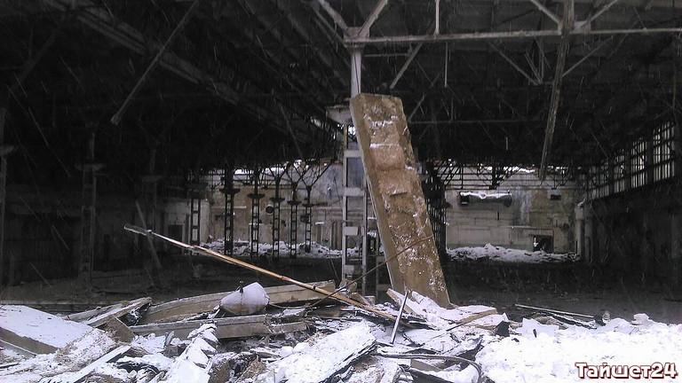 ВТайшете начеловека рухнула крыша здания прежнего завода