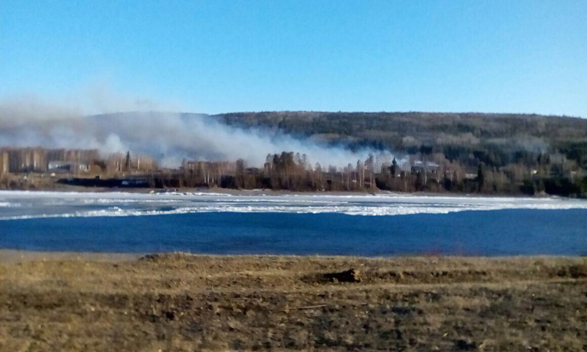 Иркутскую деревню, где сгорели 59 домов, восстанавливать небудут