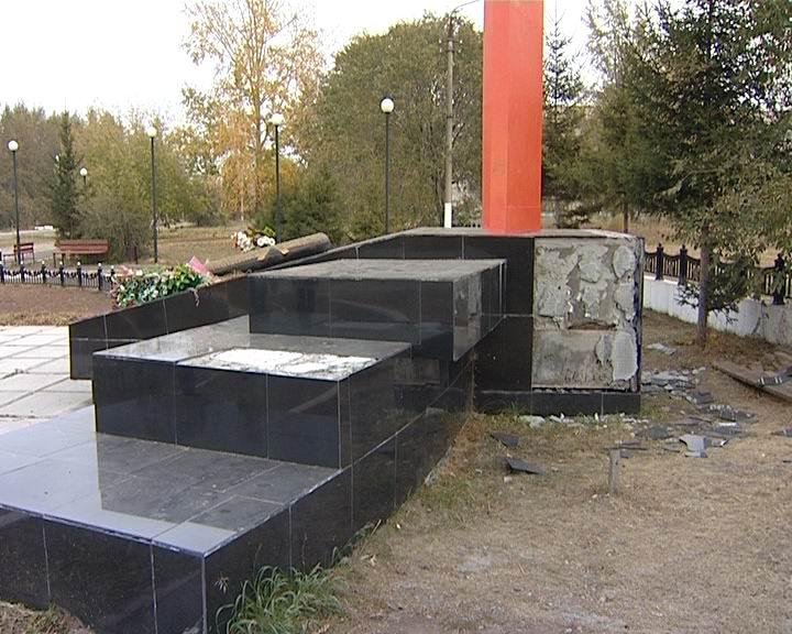 Монумент героям ВОВ вБратске, все-таки возможно, разрушили неизвестные
